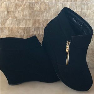 Other - Girls black wedge boots